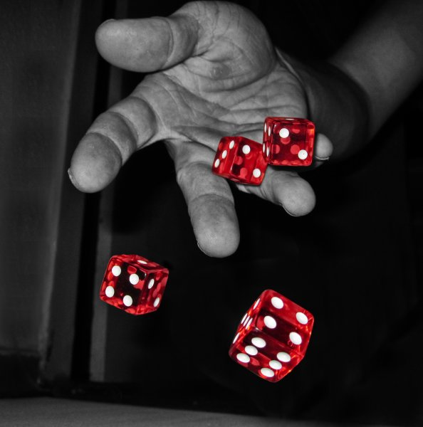 383-roll-the-dice_800x6002.jpg